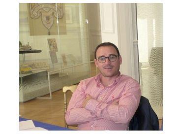 Nicolas Galup, rédacteur en chef d'Azur TV et passionné de littérature