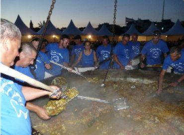 Préparation de la plus grande bouillabaisse du monde