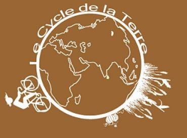 Le cycle de la terre, le vélo qui sème son chemin