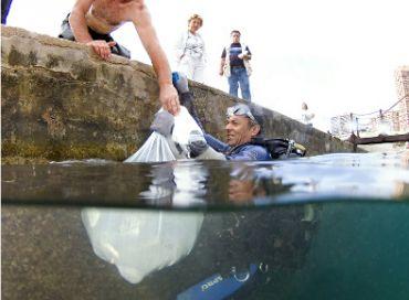 Opération propreté sous-marine à Monaco