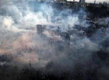 Place Taksim : ça sent le printemps et les gaz lacrymogènes